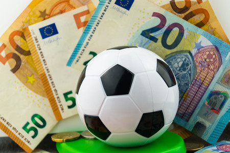 The Soccer Players changes the club for much money