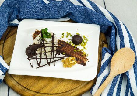 Stracciatella italian icecream with dark chocolate Zdjęcie Seryjne
