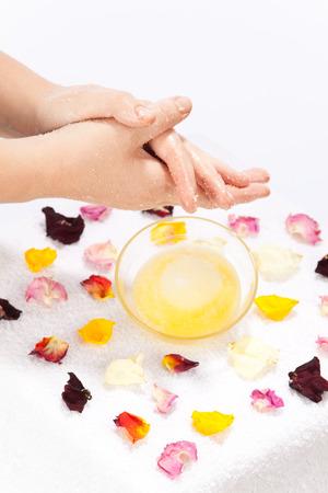essences: Skin care with essential oils