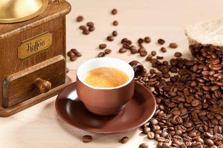intense flavor: Indulgence of freshly ground coffee beans