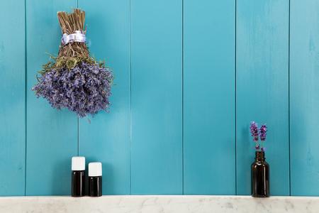 Etherische oliën van lavendel in mediterrane sfeer