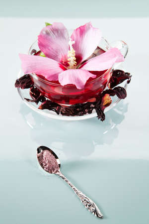 mallow: Mallow sugar and tea with fresh and dried petals