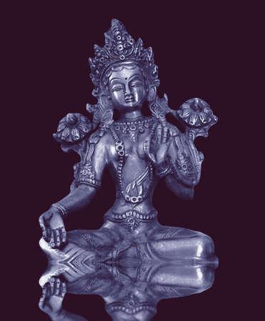 gold buddha statue photo