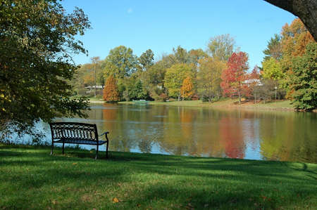 A picture of a lake taken in the fall in Indiana