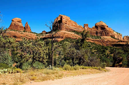 A picture showing the rock formations of Sedona Arizona