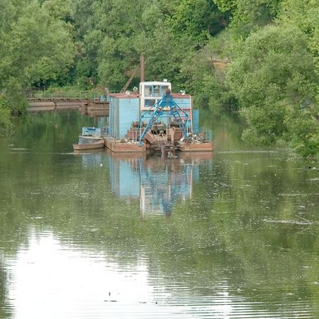 superstructure: Equipment for cleaning of river-bed