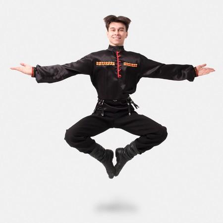 ロシアのコサック ダンス。民族服に若いダンサー。 写真素材 - 4295438
