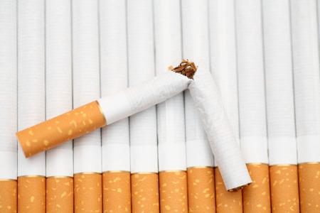 喫煙をやめる!概念的なイメージ。1 質点。クローズ アップ。