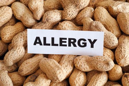 ピーナッツ アレルギー。概念的なイメージ。 写真素材