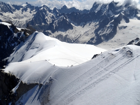 exploit: Group of climbers IN THE ALPS