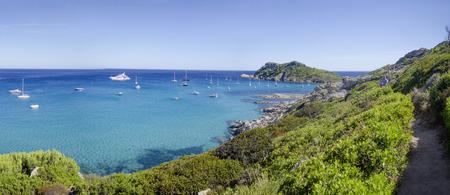 フランスのリビエラ ビーチ、サン ・ トロペ、キャップ Taillat に近いパノラマ 写真素材