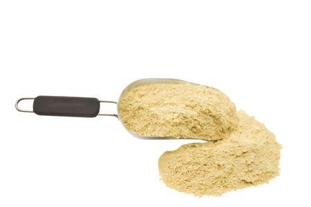 levadura: Copos de levadura nutricional aisladas sobre fondo blanco Foto de archivo