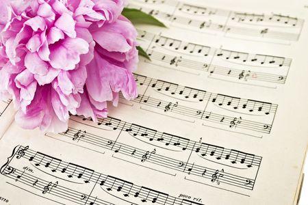 sheet: Sheet music and flowers
