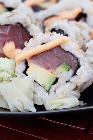 Close up of tuna sushi with extreme shallow depth of field. 版權商用圖片