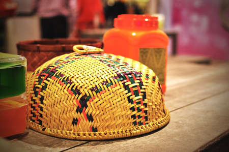 malay village: Malay Village mesa de comedor de madera