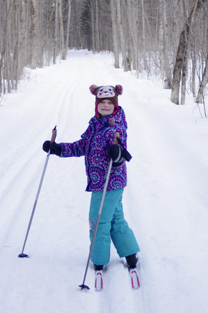 Girl Cross Country Skiing 版權商用圖片
