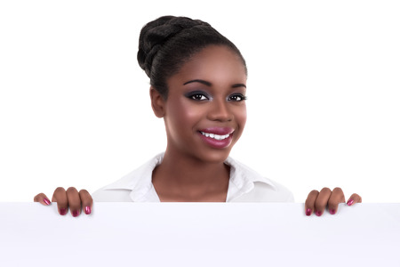 サインやバナーを保持しているアフリカ系アメリカ人の黒いビジネス女性