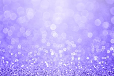 Pastell lila Glitzerscheinhintergrund oder Party einladen zu Ostern Standard-Bild
