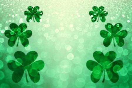 Trébol del día del St Patricks de Irlanda partido de fondo suerte invite