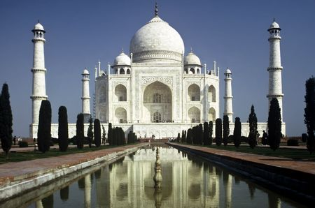 monument in india: Taj Mahal in the Morning in Uttar Paradesh Province,India