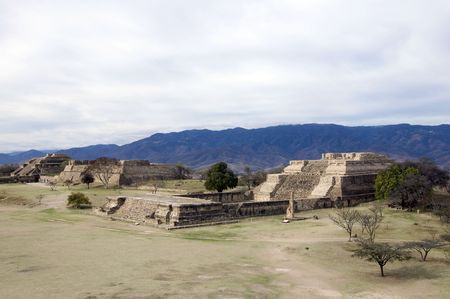Wide view over the ancient capital of Monte Alban, Mexico Stock Photo - 6652837