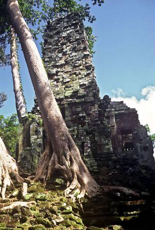 Damaged Temple in Angkor Wat, Cambodia Stock Photo - 7857101