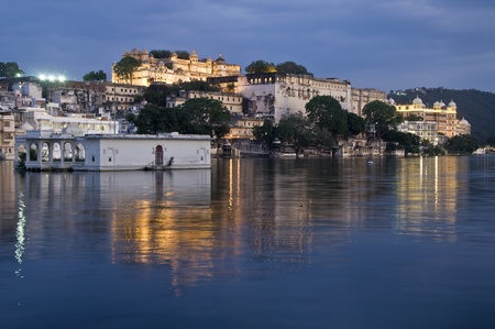View over lake Pichola at dusk, Udaipur, India