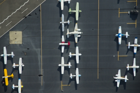 Small general aviation aircraft parked in Northeast parking at Boeing Field 新聞圖片