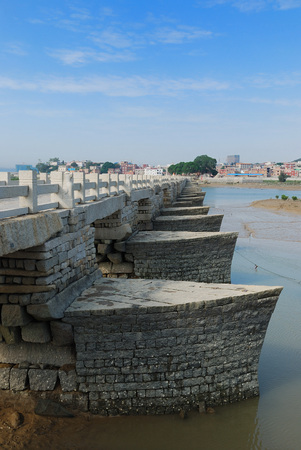 Quanzhou Luoyang Bridge, also known as Wanan Bridge, is the world-famous giant bridge beam bridge, located in Quanzhou, Fujian Luoyang River, one of the four ancient Chinese bridge