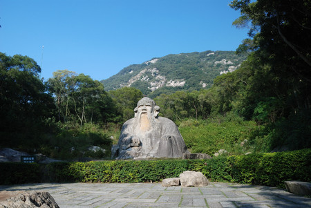 Outdoor statue of a buddha