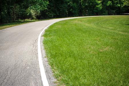 Een gebogen weg of fietspad Stockfoto