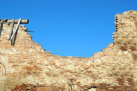 ruins: ruins brick