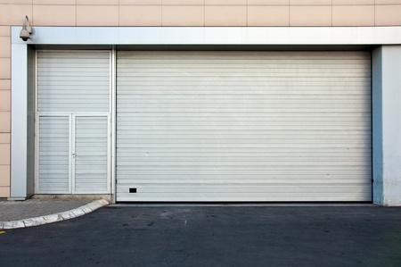 backdoor: Commercial back door to retail store