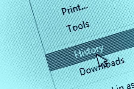 curseur d'ordinateur montrant l'historique du navigateur Internet dans le menu déroulant. Revoir le concept de l'histoire d'Internet. Banque d'images