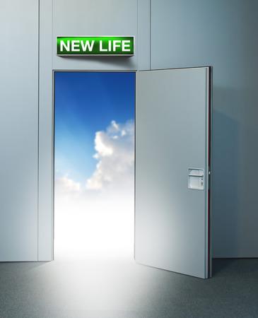 unreal unknown: Nuova vita porta al cielo, immagine concettuale. Lasciando tutti i problemi alle spalle, camminando in un nuovo concetto di vita, la pensione o il ritiro.
