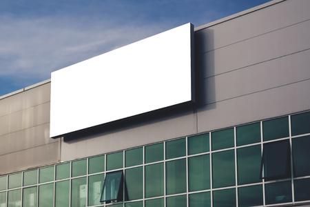 Blank Firmenwerbetafel als Kopie Raum, Bild retro getönten Standard-Bild - 48974775