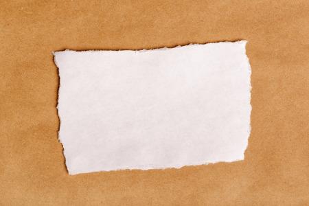 ferraille: Scrap papier morceau en copie espace, vue de dessus, la matière la texture du papier comme arrière-plan pour le message texte ou graphique.