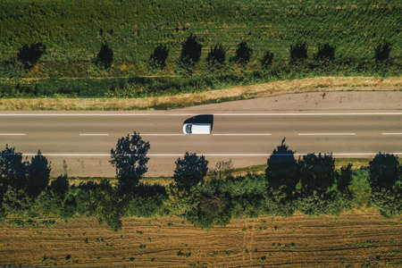 Pickup truck on the road, aerial view from drone pov Banque d'images