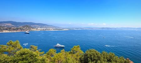 Cannes och La Napoule panoramautsikt över havet utsikt över bukten, yachter och båtar från Théoule-sur-Mer Franska Rivieran, Azure kusten eller Cote d'Azur, Provence, Frankrike