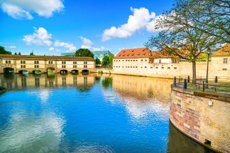 barrage: Strasbourg, barrage Vauban and medieval bridge Ponts Couverts and reflection, Barrage Vauban  Alsace, France