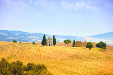 valdorcia: Tuscany, italian rural landscape, Vitaleta chapel, little church in Val d Orcia, Italy