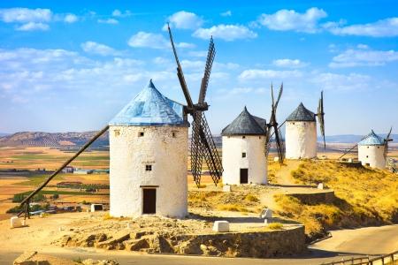 Molinos de viento de Cervantes Don Quijote en Consuegra Castilla La Mancha, España, Europa