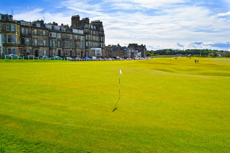 andrews: Golf St Andrews old course links, fairway and stone bridge on Hole 18. Fife, Scotland, Uk, Europe.
