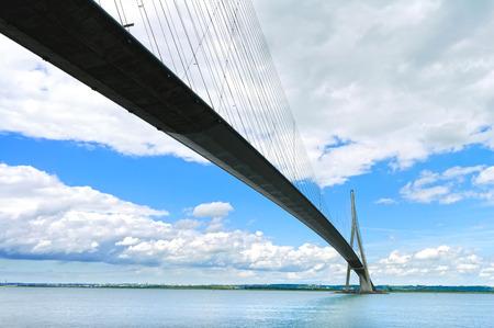セーヌ川の長時間露光写真ノルマンディー橋。ルアーブル, フランス.フランスのポン ・ デ ・ ノルマンディー。