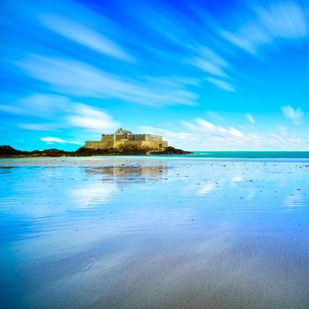 st  malo: Saint Malo, Fort National and beach during Low Tide. Brittany, France, Europe. Long exposure photography
