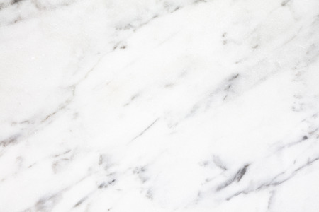 la luz natural de mármol blanco de Carrara para el baño o en la cocina encimera blanco. Alta resolución textura y el patrón.