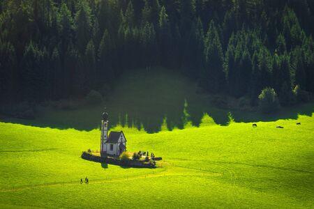 San Giovanni or St Johann in Ranui chapel, Funes Valley, Dolomites Alps. Trentino Alto Adige Sud Tyrol, Italy, Europe Stock fotó