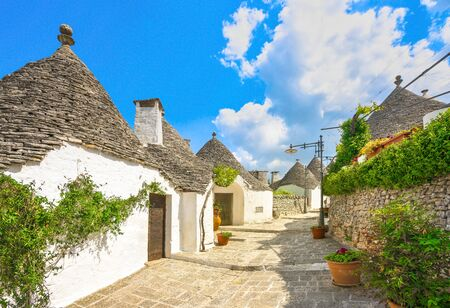 Trulli of Alberobello typical houses street view. Apulia, Italy. Europe. Imagens