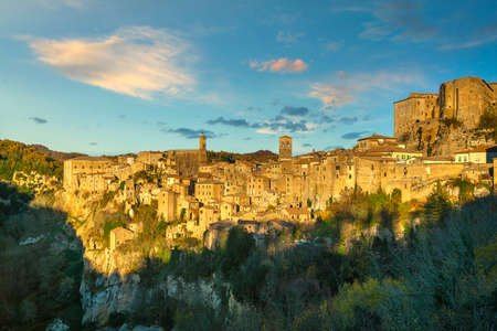 Tuscany, Sorano medieval village panorama at sunset. Italy, Europe. 스톡 콘텐츠