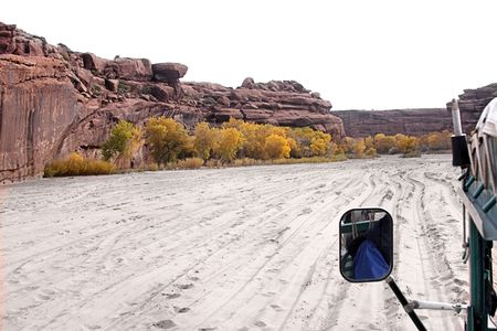 anasazi: Tour truck in Canyon de Celly National Park on the Navajo Reservation in Arizona